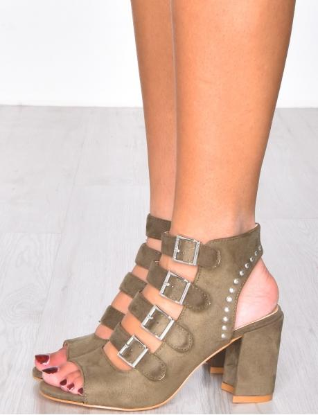 sandales à talons et sangles