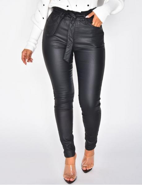 Jeans mit hoher Taille aus Kunstleder, zum Binden