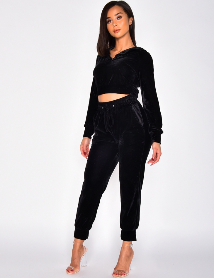 Short Velvet Sweatshirt and Trousers Outfit