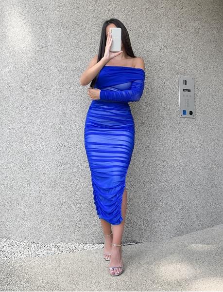 Robe longue drapée asymétrique