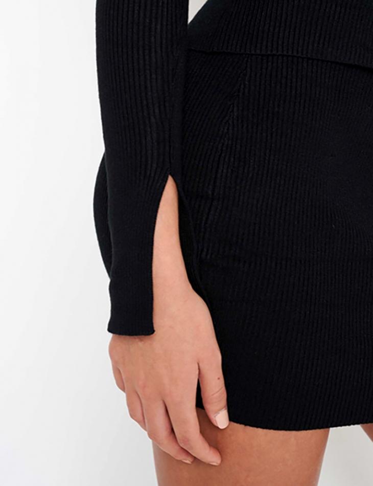 Pull côtelé à zip