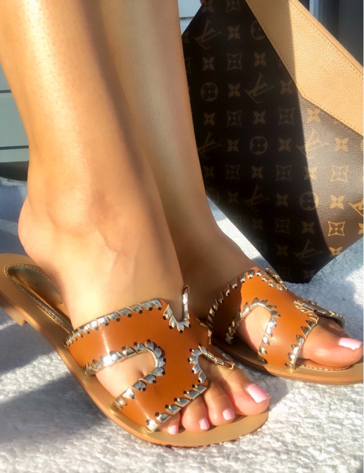 Flat Sandals with Gold Rim