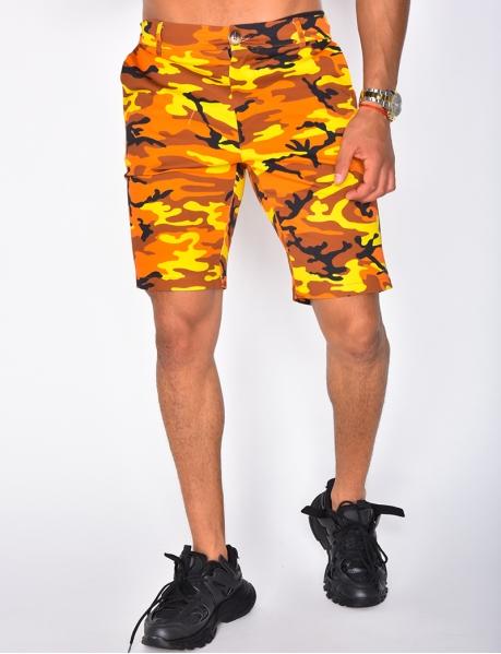 Chino-Shorts Tarnfleck