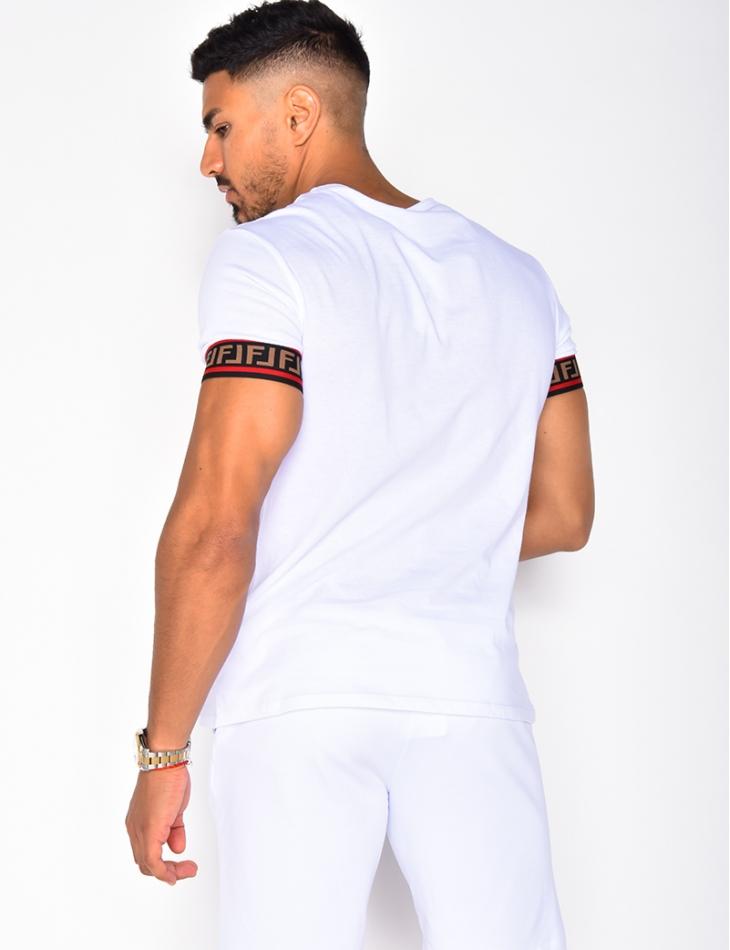 T-shirt à bandes géométriques