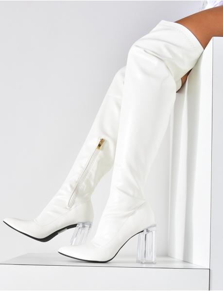 Stiefel mit durchsichtigen Absätzen