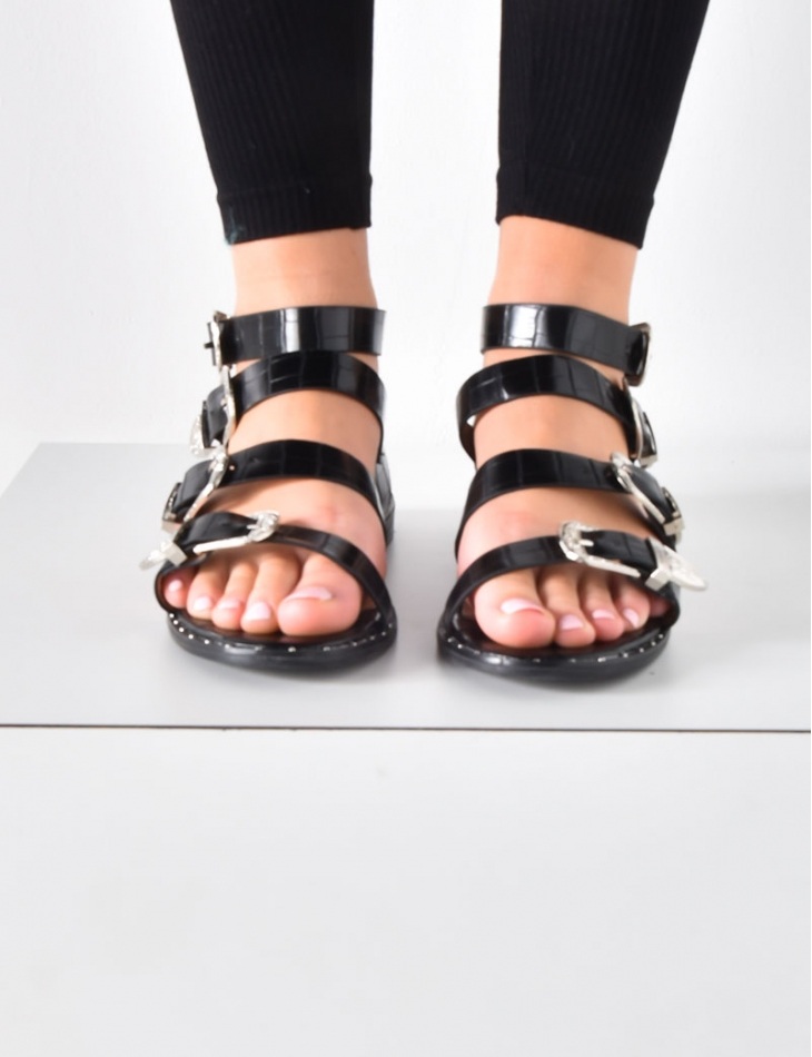 Flat Sandals with Straps and Western Buckles