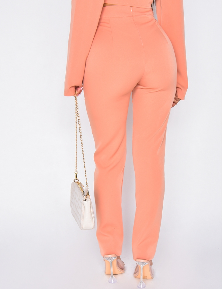 Pantalon avec couture en relief