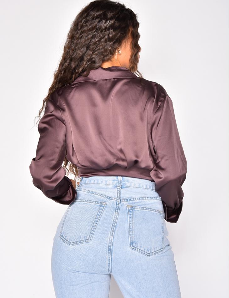 Chemise courte en satin nouée